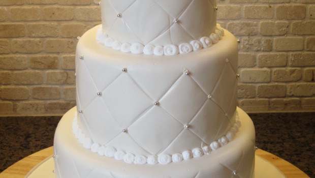 three types of wedding cakes all cake prices. Black Bedroom Furniture Sets. Home Design Ideas