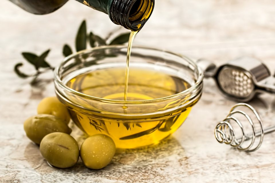 Types of Oil: The Top 10 Choices For Your Family's Favorite Dishes