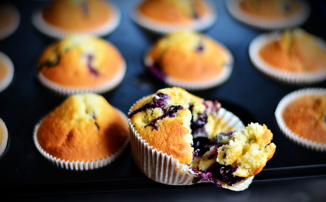 These delicious humming bird cupcakes are the perfect variation of a Mothers Day cake.