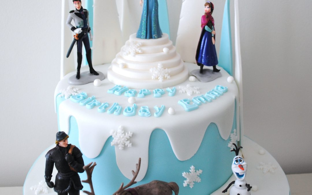 10 Frozen Cakes Inspired By Disney's Frozen For The Kids That Can't Let It Go!