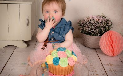 What Is a Smash Cake? Why You Need One for Your Baby's Birthday
